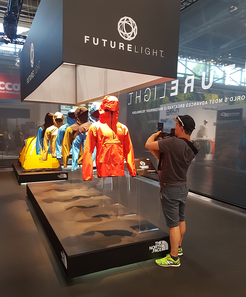sustainable-mannequins-bustforms-booth-thenorthface